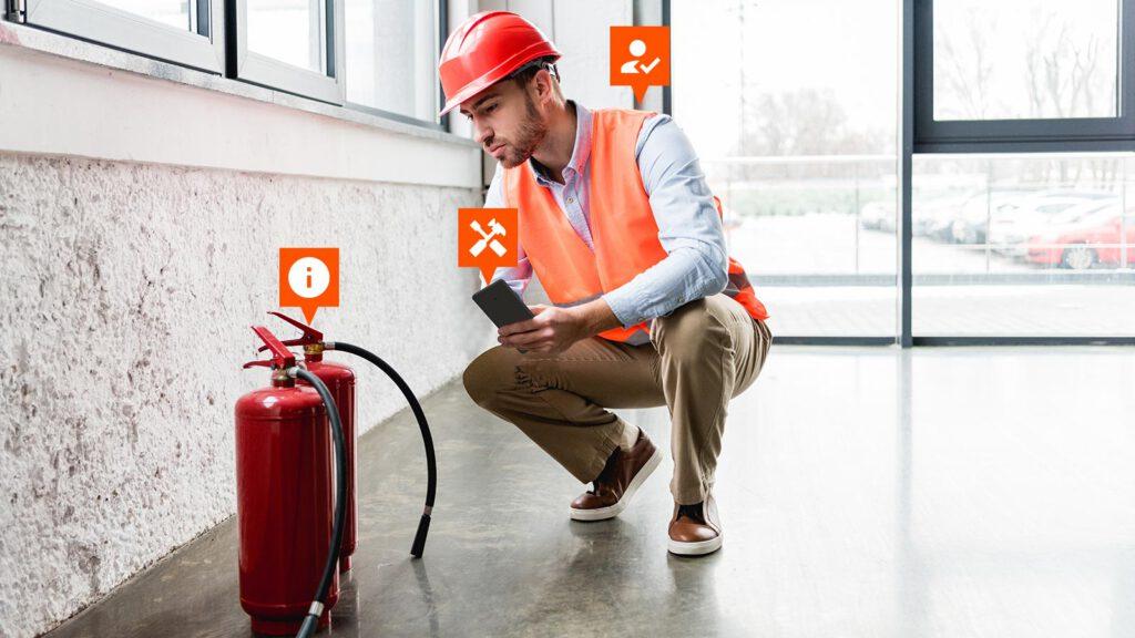 Betriebsmittelprüfung Feuerlöscher mit Smartphone